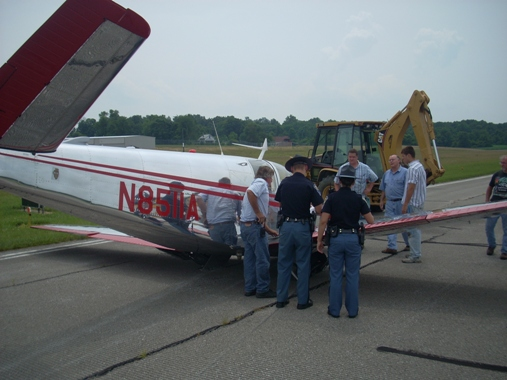 2009-07-10 Emergency Landing at Monroe County Airport 5.JPG