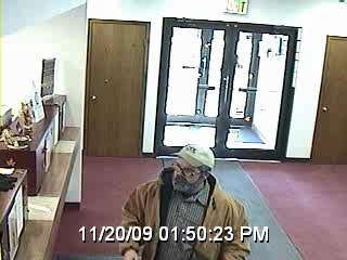 2009-11-20 Spencer PD, ISP Investigates Bank Robbery1.jpg