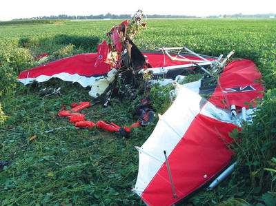 Crashed Ultralight Plane - Switz City - 8-27-2009.jpg