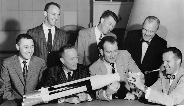 Project_Mercury-Mercury_Seven-Astronauts.jpg