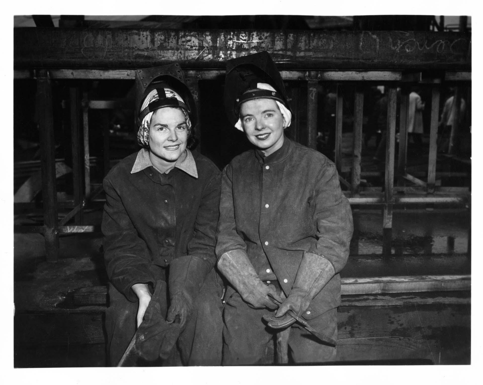 Woman.Factory.Uniform.10.jpg