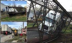 paoli bridge collapse.jpg