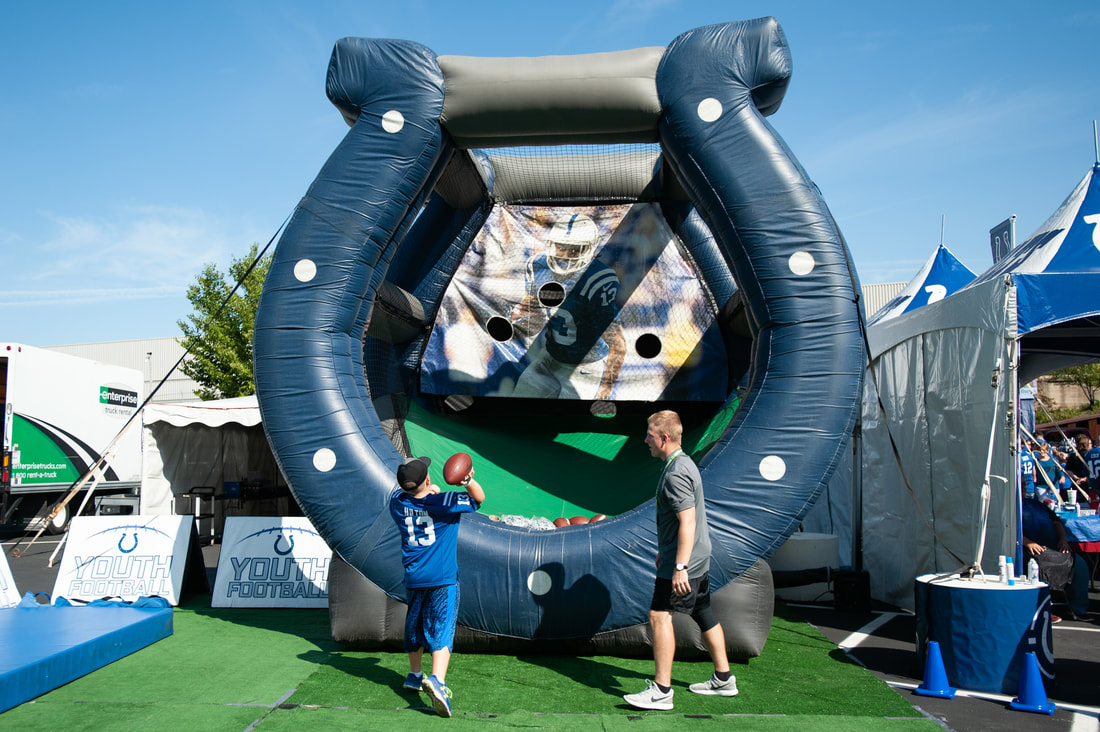play-60-zone-interactive-inflatables_orig.jpg