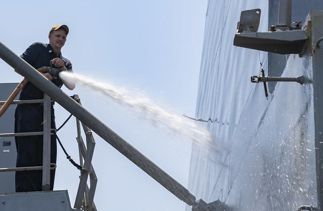 shaol man washingt.jpg