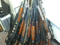 guns_1348192866755_142183_ver1.0_320_240.jpg