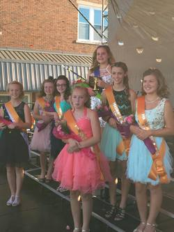 Junior Miss Queen Shelby and her court.jpg