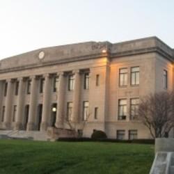 Daviess_County_Courthouse_in_Washington-200x200.jpg