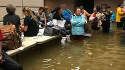 170830093844-port-arthur-evacuation-shelter-floods-exlarge-169.jpg