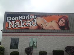naked-ad_1380744232103_3312500_ver1.0_640_480.JPG