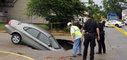 sink hole car.jpg