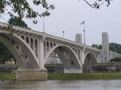 P8290032_Lincoln_Memorial_Bridge-300x225.jpg
